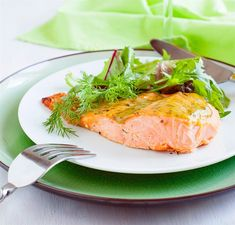 Spicy Salmon with Creamy Mustard Sauce Salmon Recipe With Mustard, Creamy Mustard Sauce, Salmon Recipes, Fish Recipes, Seafood Recipes, Cooking Recipes, Meals Without Meat, Pea Protein Powder, Spicy Salmon