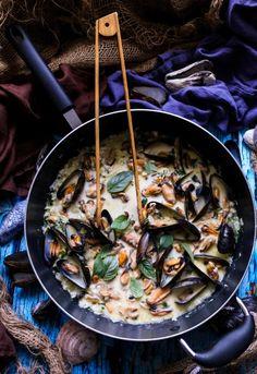 Creamy Mussel Basil Pasta - Havoc In The Kitchen