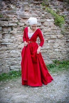 Późno XV-wieczna suknia wierzchnia. Dół z koła. rękawy grande assiette