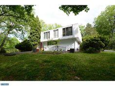 Penn Valley mid-century modern. Philadelphia Modern Homes | philadwellphia.com