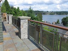 Panels of Banker Wire SZ-4 architectural wire mesh in Stainless/Copper were used for the balcony of this Mercer Island residence. Massive stainless steel railing was custom built around the mixed wire mesh, providing security and detail even when viewed from the shoreline.