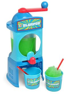 You don't have to go to to get a quality Slurpee, thanks to this Slurpee Maker. Nothing beats a Slurpee on a hot day. Just add ice and salt to the Smoothie Machine, Cool Kitchen Gadgets, Cool Gadgets, Cool Kitchens, Kitchen Tools, Kitchen Ware, Kitchen Stuff, Recipes