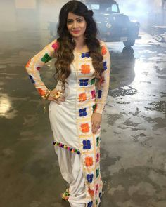 Image may contain: 1 person Indian Fashion Trends, Indian Designer Outfits, Designer Dresses, Kurta Designs Women, Blouse Designs, Indian Dresses, Indian Outfits, Look Short, Kurti Designs Party Wear