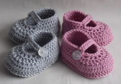 Twin baby shoes twins newborn babies gift by Kristineslittleshop - babyschuhe - Crochet Baby Shoes, Crochet Baby Booties, Crochet Slippers, Knitted Baby, Newborn Twins, Newborn Baby Gifts, Newborn Shoes, Baby Twins, Baby Shoes Pattern