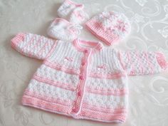 Baby Boy Knitting Patterns Free, Baby Cardigan Knitting Pattern, Knitted Baby Cardigan, Baby Patterns, Crochet Baby Bonnet, Crochet Bebe, Crochet Baby Clothes, Baby Cocoon Pattern, Baby Girl Sweaters