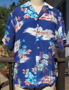 bcf35e97d2d4 Vintage 1950 s Mens Silver Of Hawaii Crepe Hawaiian Print Shirt King  Kamehameha