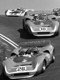 Skip Scott and Chuck Parsons into the corkscrew, Can Am style