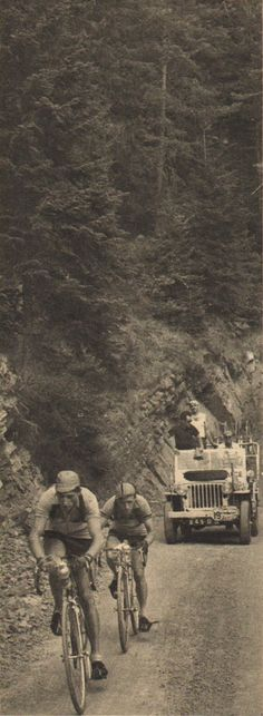 Tour de France 1950. 16^Tappa, 30 luglio. Menton > Nizza. Col de Turini. Ferdi Kübler (1919-2016) e Stan Ockers (1920-1956) [But et CLUB]