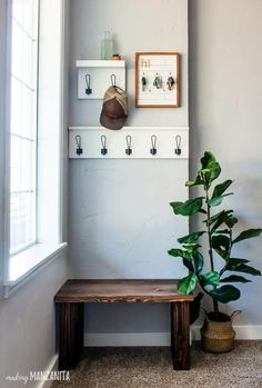Bench Decor, Diy Bench, Small Entry Bench, Entryway Bench, Small Entryway Decor, Kitchen Entryway Ideas, Kitchen Ideas, Wood Bench Plans, Apartment Entryway