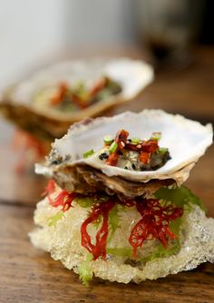 Table No°1 knows how to think outside of the box when it comes to presenting oysters!