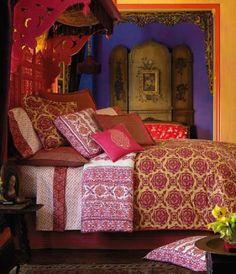 Para un look inspirado en la India, no pueden faltar azules, naranjas y guindas.