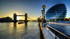 There is nothing better than food with a great view, so today we'll share with you the TOP 5 London restaurants with the best views! If you're in the city, take notes and see our suggestions! SEE ALSO City Of London, London Map, London Attractions, London Restaurants, Belfast, Rio Tamesis, Bridge Wallpaper, Hd Wallpaper, Wallpapers