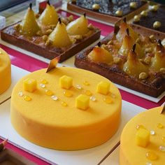 Our new Carrémangue also exists in a 4 to 8 pax cake! And sharing #FAUCHON with your loved ones means the world