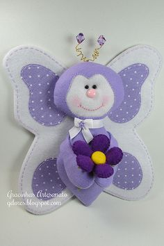 Love the detail on this felt butterfly...NO pattern