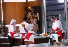 Daniela Crudu, pe tocuri și fără sutien în bucătăria Chefi la cuțite! Reacția incredibilă a lui Chef Cătălin Scărlătescu Nutella, Mousse, Wrestling, Pie, Lucha Libre