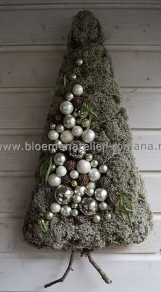 Wandboompje met mos. kerst: