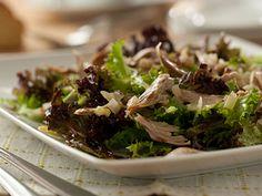 Salada de frango do campo com frutos secos