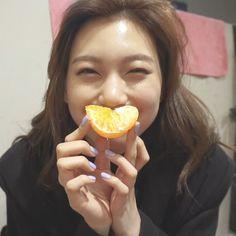 Choi Yoojung, Kim Doyeon, Me As A Girlfriend, Kpop Girls, Girlfriends, Cool Girl, Kdrama, Pose, Korean