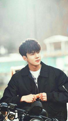 Good looking maknae in EXO, Oh Sehun<< He is our sassy + diamond maknae Kpop Exo, Baekhyun Chanyeol, K Pop, Shinee, Got7, Rapper, Luhan And Kris, Sehun Cute, Kim Minseok