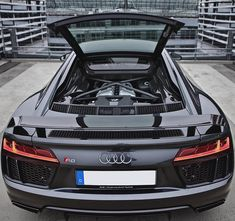 Almost looks like a transformer. The engine bay of the glorious NA V10. Car: 2016 @Audi R8 V10 Plus (610hpV10 5.2 NA) Performance: 0-100kmh(62mph): 2.87seconds (tested) 3.2 seconds (official) Color: Daytona gray metallic Location: Munich Germany Facebook: http://ift.tt/1kfixFO Camera: Canon Eos 5D Mark II / 24-70 Thanks to: Audi Munich Forum Airport / Audi Deutchland Remember ALL my photos are available on my popular Facebook page where you can download them in their high quality. #audi #r8…