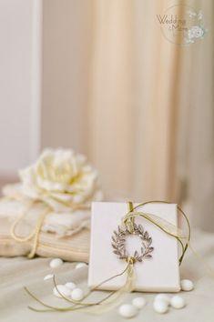 Wedding And More Μπομπονιέρες Θεσσαλονίκη www.gamosorganosi.gr Gift Wrapping, Gifts, Wedding, Gift Wrapping Paper, Valentines Day Weddings, Presents, Wrapping Gifts, Favors, Weddings