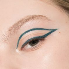 Gel Eyeliner's Endless Possibilities: Laura Mercier Crème Eye Liner in Canard