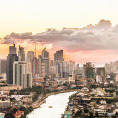 Sunset above Makati City, Manila, Phillipines. Tripfabrik | http://tripfabrik.de https://plus.google.com/+TripfabrikDe/posts