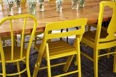 paint mismatched chairs all one color .. super cool