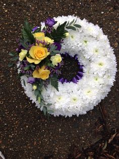 Funeral wreath Funeral Floral Arrangements, Large Floral Arrangements, Church Flower Arrangements, Funeral Bouquet, Funeral Flowers, Grave Flowers, Silk Flowers, Deco Floral, Arte Floral