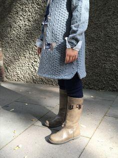 Comencem la setmana un tant fresqueta i que millor que aquestes magnífiques botes en color Camel molt combinables. Numeració del 26 al 35.  #️⃣#elsomni #cardedeu #botes #quinfred #peuscalents #winteriscoming #nofilter #boots #sabateria #infaltil #juvenil #fall #winter