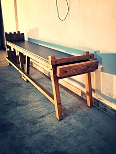 A bench I made with oak tree.when I look it always remind me a pig..
