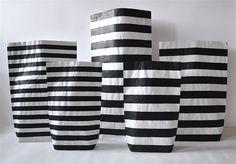 Pasy, paski, paseczki #paperbags #storage #kidsdesign #szaryfika #handpainted #blackandwhite