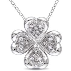 four leaf clover necklace ..I WANT THIS!!  ;)