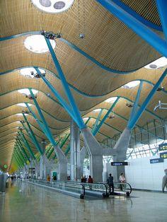 Аэропорт в Мадриде, Испания  Проект: Rogers Stirk Harbour + Partners