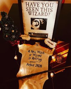 Pregnancy Announcement Harry Potter, Expecting Baby Announcements, Pregnancy Announcement Pictures, Unique Baby Announcement, Halloween Pregnancy Announcement, Pregnancy Photos, Jarry Potter, Ultrasound Frame, Halloween Gender Reveal