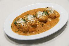 This is very tasty Malai kofta recipe . This Malai kofta recipe is very tasty and very easy to cook at home without onion and garlic Indian Food Recipes, Vegetarian Recipes, Healthy Recipes, Ethnic Recipes, Delicious Recipes, Vegetarian Dish, Vegetarian Options, Spicy Recipes, Meat Recipes
