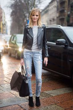 And this is how we play. #DariaStrokous throws the chic #offduty
