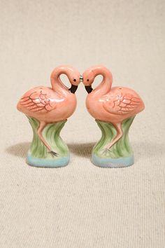 Salz- und Pfefferstreuer in Flamingoform