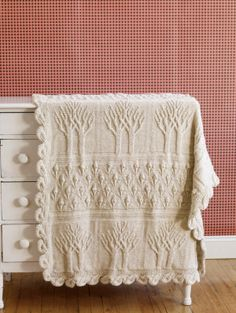 Free Knit and Crochet Patterns Great blanket - family heirloom