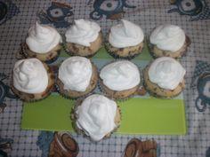 Cupackes com recheio de creme de limão. Saborosos... wwweunacozinha.blogspot.com