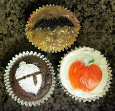 How to Stencil Cupcakes Pretty Cupcakes, How To Make Cupcakes, Beautiful Cupcakes, Decorate Cupcakes, Martha Stewart Fall, Martha Stewart Cupcakes, German Chocolate Cupcakes, Chocolate Frosting, Baking Cupcakes