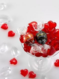 Consider using LINDOR Milk and Dark truffles for Valentine's day decor or gifting Lindt Truffles, Lindt Lindor, Lindt Chocolate, White Chocolate, Dove Chocolate Discoveries, Happy Love Day, Floral Nail Art, Valentines Day Treats, Christmas Bulbs
