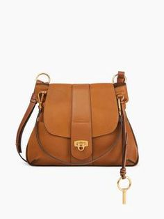 Discover Lexa Cross Body Bag and shop online on CHLOE Official Website. 3S1261HD2