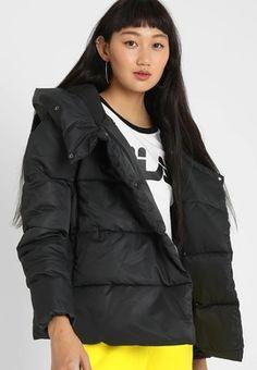 Comprar Cazadoras y americanas de COLECCIÓN. La Premiere Reebok, Nike, Raincoat, Winter Jackets, Fashion, Shopping, Hunter Green, Cowls, Full Sleeves