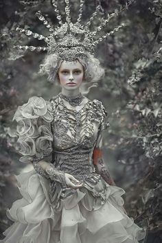 Fashion Art Photography Fantasy Fairytale New Ideas Fantasy Photography, Fashion Photography, Ice Queen, Snow Queen, Look Fashion, Fashion Art, Trendy Fashion, Fairytale Fashion, Foto Art