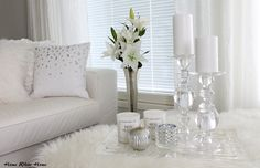 White living room, glass & silver - Home White Home -blog