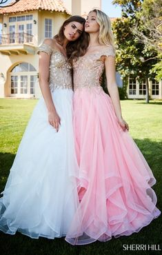 Sherri Hill - 51614 Lace Appliqued Corset Tiered A Line Dress Sherri Hill Prom Dresses, Pageant Dresses, Bff, Prom Poses, Full Length Skirts, Classic Wedding Dress, A Line Gown, Layered Skirt, Bridesmaid Dresses