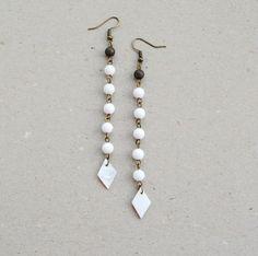 White mother pearl long earrings minimalist tribal by elfinadesign White Earrings, Beaded Earrings, Pearl Earrings, Drop Earrings, White Jade, Geometric Jewelry, Minimalist Earrings, Mother Pearl, Pearl Beads