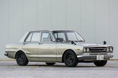 The Grandfather of the present GT-R ... Original Nissan Skyline 2000GT-R