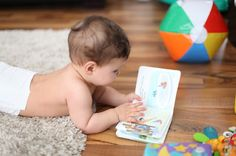 NAMC montessori infant toddler environment preparing for movement crawling for a book Montessori Education, Montessori Toddler, Montessori Activities, Infant Activities, Maria Montessori, Baby Play, Baby Kids, Pediatric Physical Therapy, American Academy Of Pediatrics